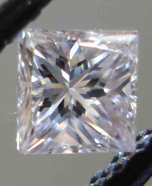 picture of purple diamonds