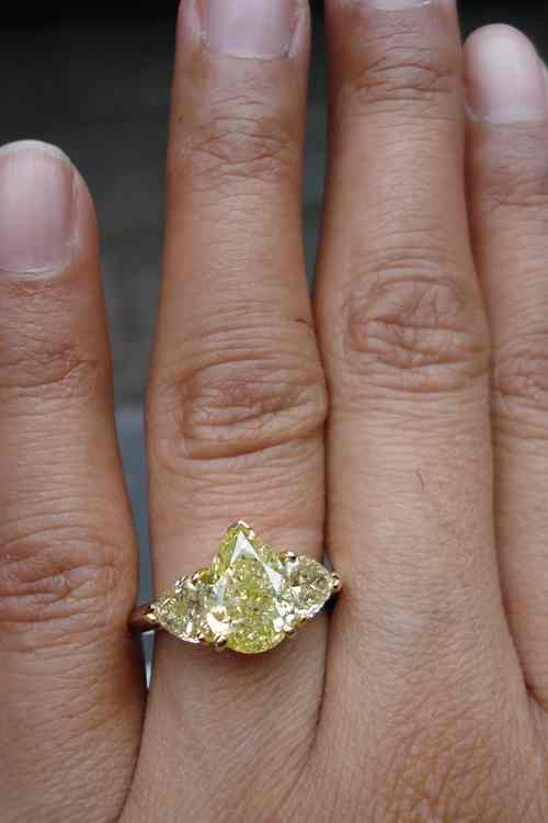 Pear Shaped Diamond Wedding Ring 76 Lovely Pear engagement rings on