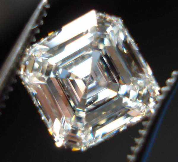 colorless asscher cut diamond