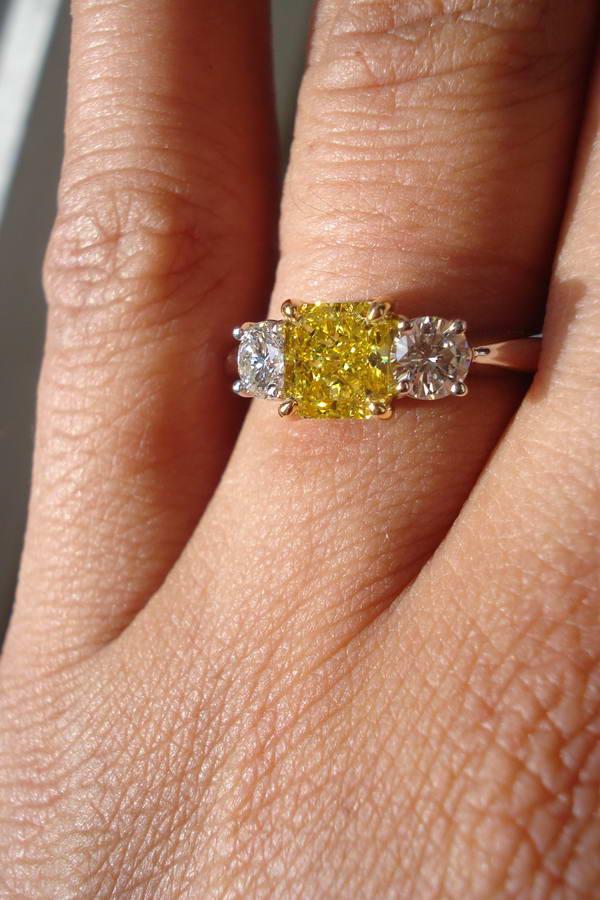 Resultado de imagen para fancy vivid yellow diamond ring