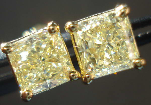 18Karat Yellow Gold Diamond Yellow Diamond Stud Earrings