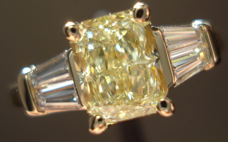 yellow diamond with double baguettes