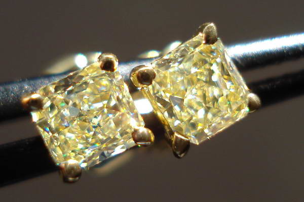 Here S A Totally Unique And Completely Cute Pair Of Natural Yellow Diamond Earrings They Are Cut For Sparkle Perform That Job Admirably