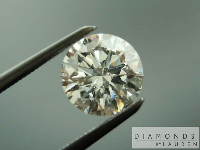 colorless round brilliant  diamond