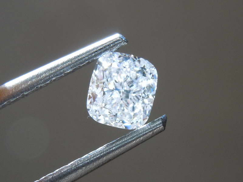gia colorless diamond