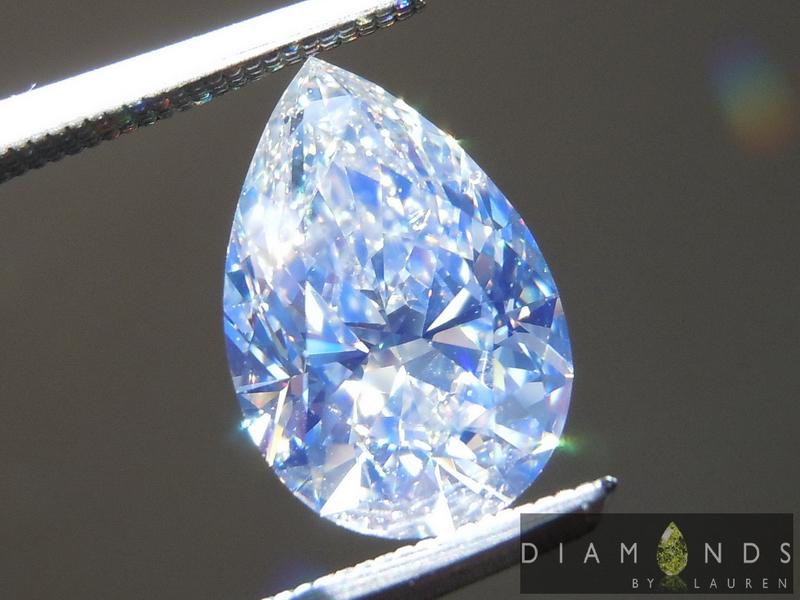 strong blue fluorescence diamond