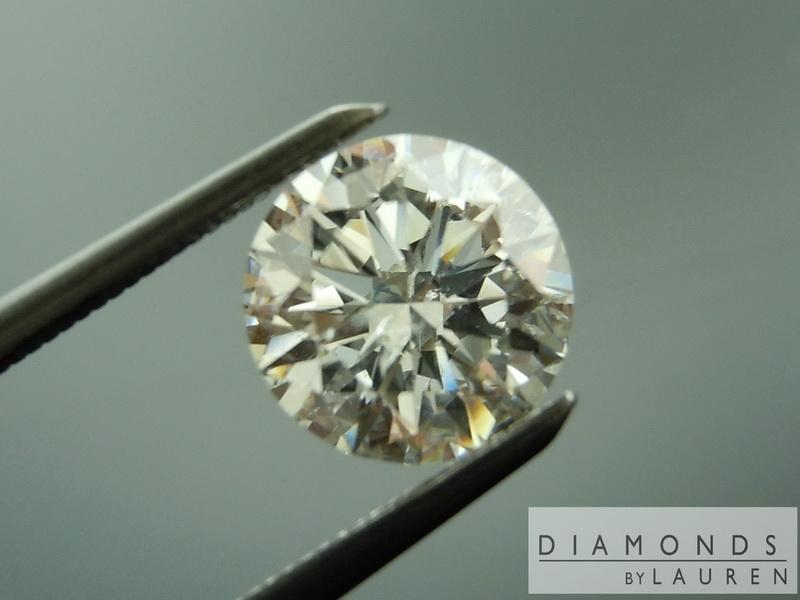 colorless round brilliant  diamond