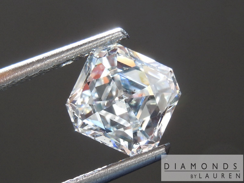 completley colorless diamond