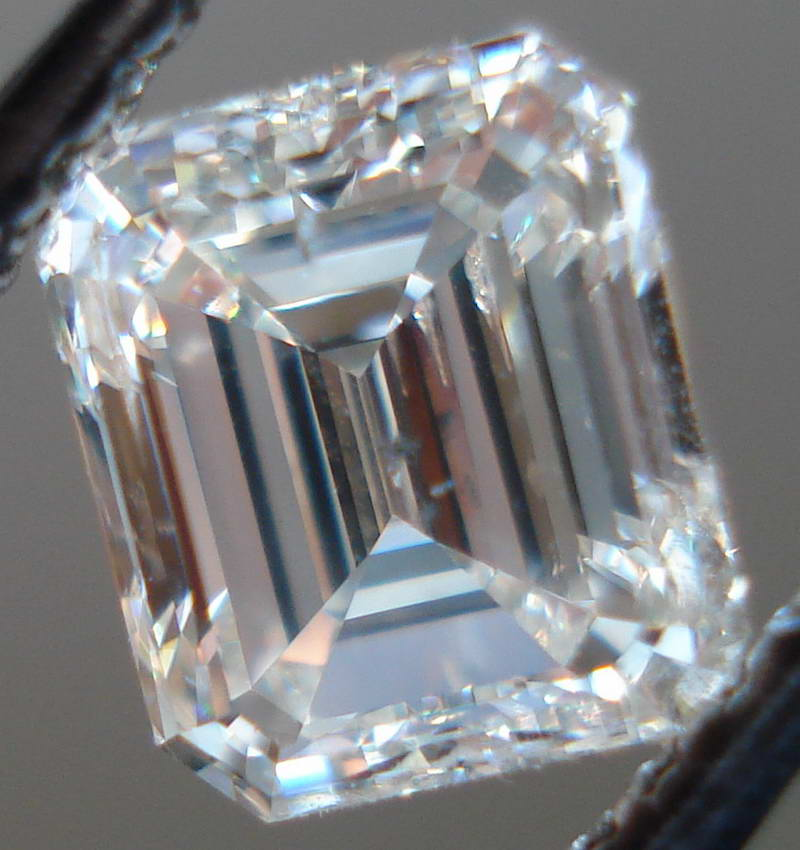 cololrless diamond