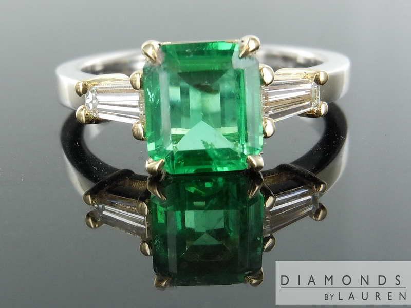 emerald cut emeraldring