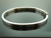 SOLD........Platinum Bangle: 7 1/2 inch Solid Platinum Bangle R6292